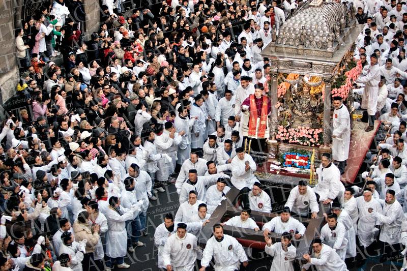 Il turismo religioso aumenta in Sicilia del 52%, il record a Catania per Sant'Agata