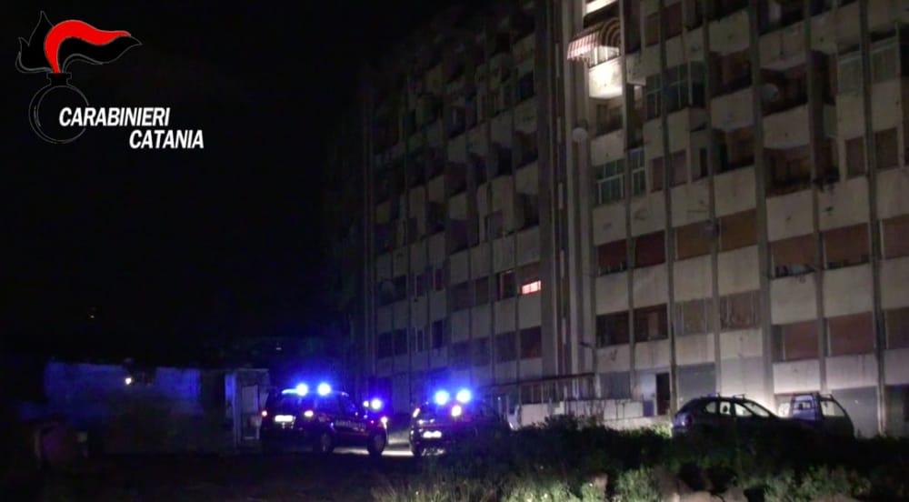 Catania, arrestati due minori a Librino: avevano violato gli obblighi