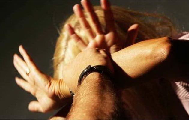 Catania, marito alcolista picchia la moglie davanti ai figli minorenni