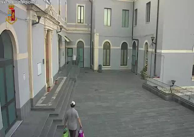 Catania, piazza un ordigno all'ospedale Garibaldi dopo il licenziamento
