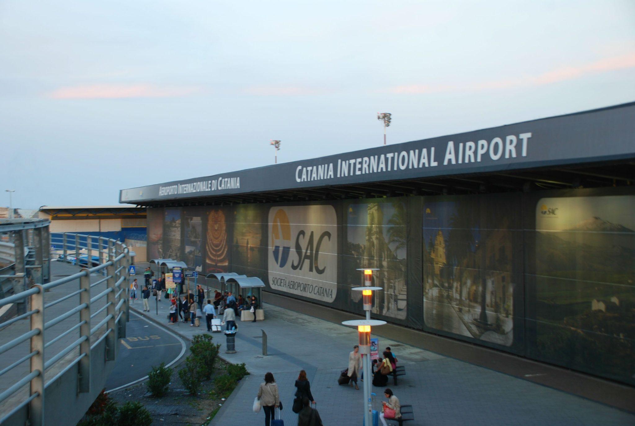 Catania, ruba un orologio di valore in aeroporto: denunciata