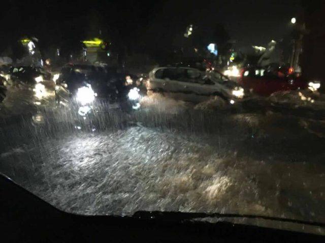 Catania, esonda torrente vicino all'aeroporto: molti disagi