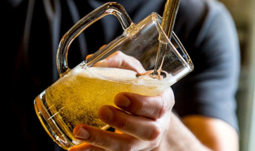 Catania, ubriaco oltraggia gli agenti di polizia: denunciato