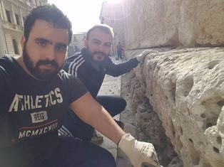 Siracusa, Devoti ripuliscono il perimetro della Cattedrale