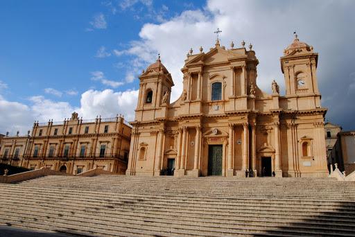 Diocesi di Noto, nominati dal vescovo Antonio Staglianò nuovi parroci
