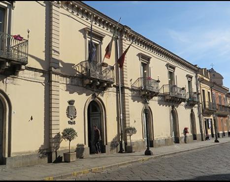 Piedimonte, la solidarietà dell'assessore regionale Barbagallo al sindaco