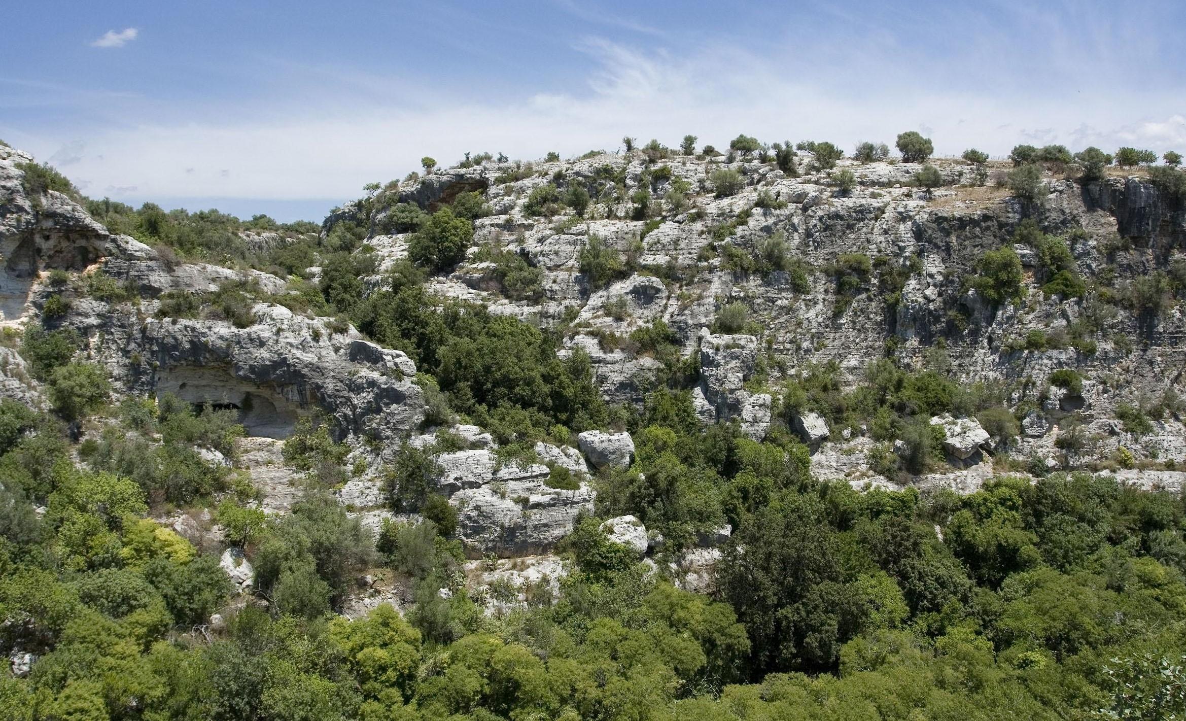 """Modica, a Cava Ispica indagini di """"archeologia non invasiva"""": ecografia del sottosuolo"""