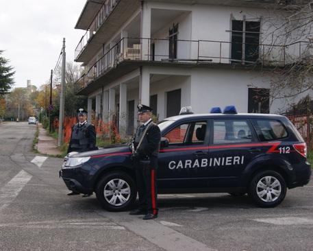 Tenta il colpo in un albergo nel Crotonese, romeno arrestato
