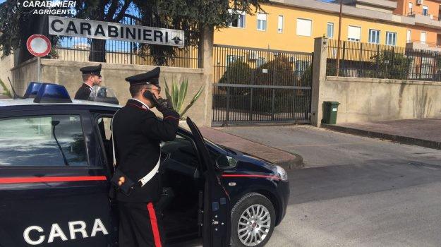 Anziano rapinato in casa nell'Agrigentino, due in manette