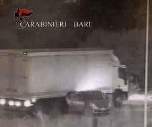 Bari, assaltavano armati i Tir: sgominato un gruppo criminale