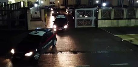Blitz antidroga dei carabinieri, sedici misure cautelari nel Napoletano