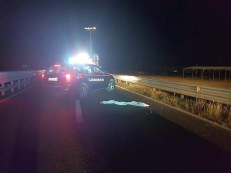 Tragedia vicino Cagliari, si schiantano sul guard rail: morti due giovani centauri