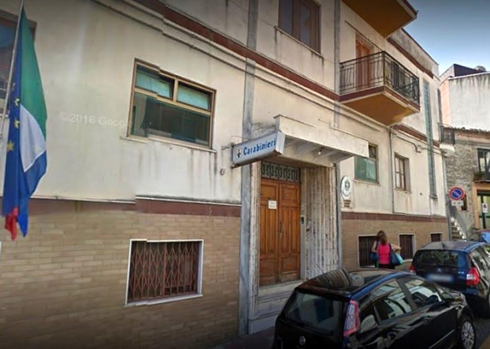 Castelbuono, giornalista aggredito: si rifugia dai carabinieri