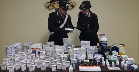 Anabolizzanti e farmaci dopanti, arrestato nel Calabrese