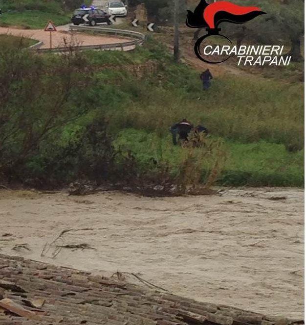 Maltempo, resta grave il 67enne caduto in un fiume nel Trapanese