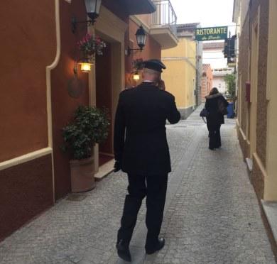 Precipita dal quinto piano di un hotel a Oblia, morta donna