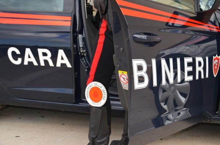 Finti carabinieri per compiere rapine, 10 arresti a Napoli