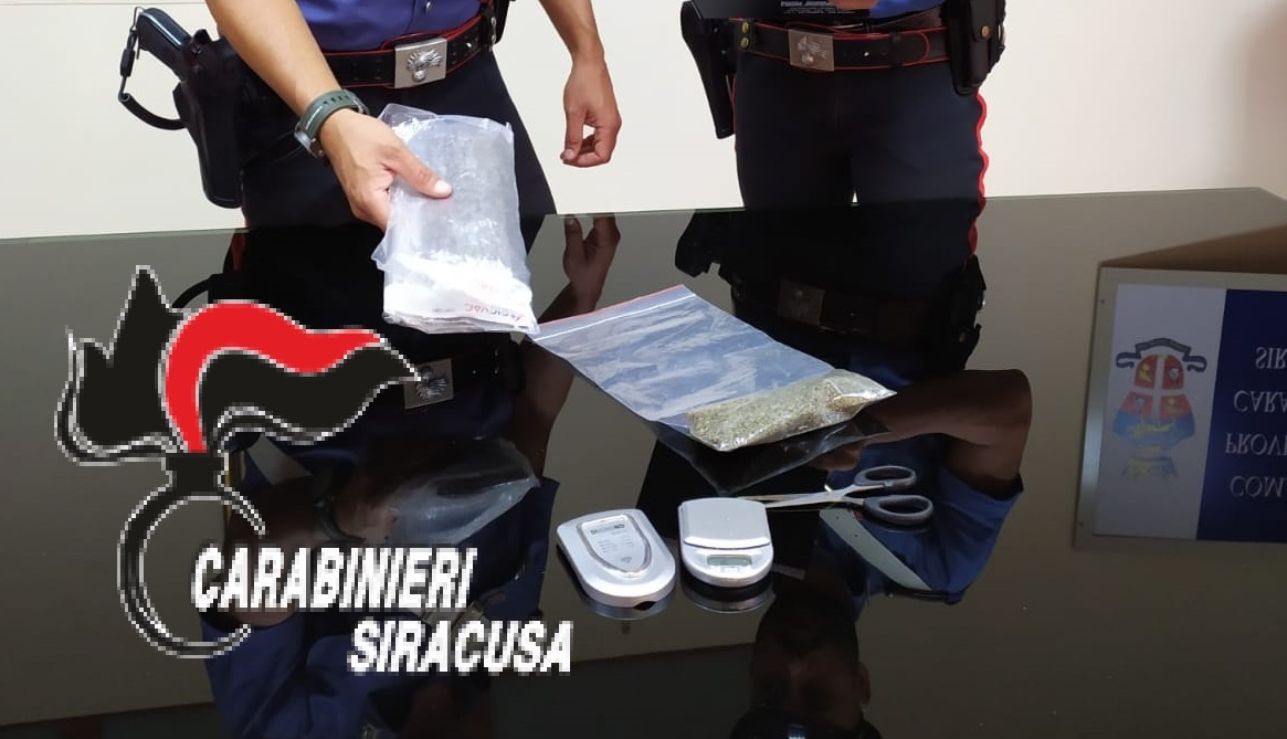 Siracusa, 'incensurato' preso in flagranza mentre spacciava marijuana