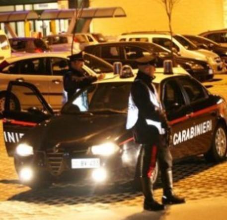 Agguato nella notte a Bari, ferito di striscio da un proiettile