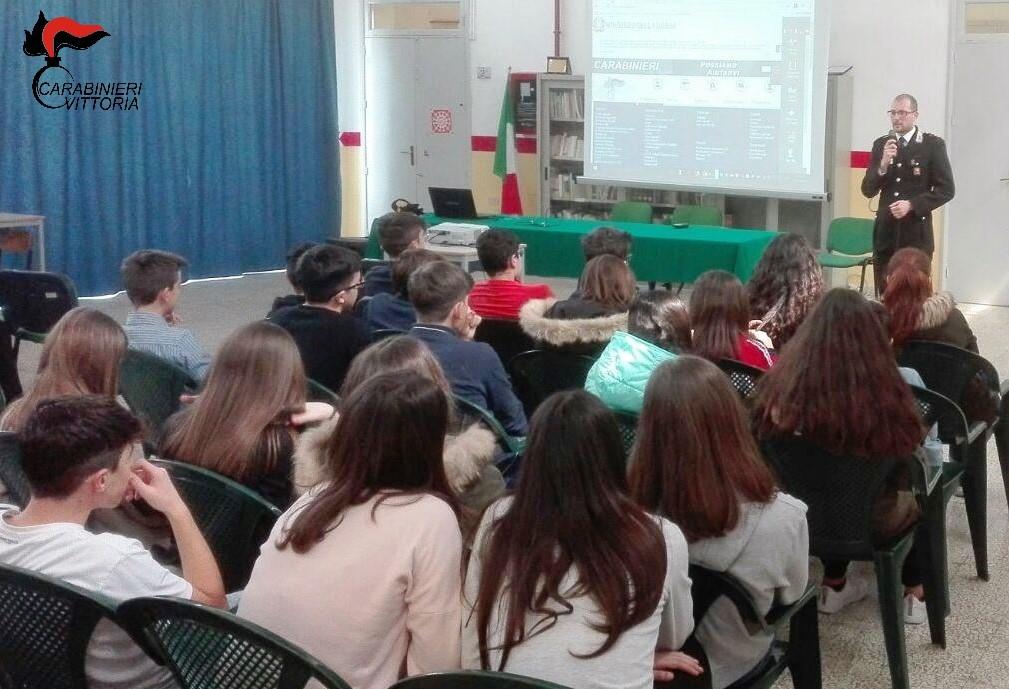 Vittoria, cultura della legalità: i carabinieri incontrano gli studenti