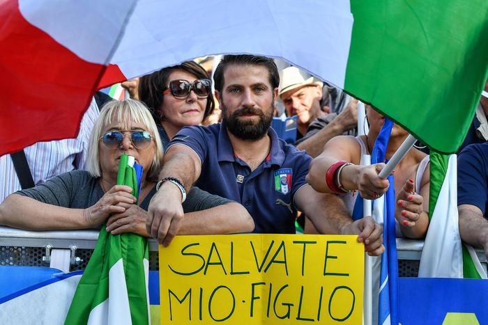 Il Centro destra conquista piazza San Giovanni: a Roma in 200 mila contro il governo