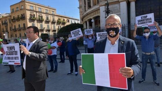 Centro destra in piazza a Palermo contro il governo Conte