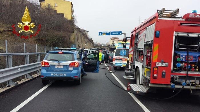 Incidente stradale nel Cosentino, un morto e due feriti