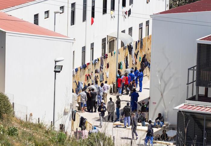 """Il garante: """"Le condizioni dei migranti a Lampedusa sono sconcertanti"""""""
