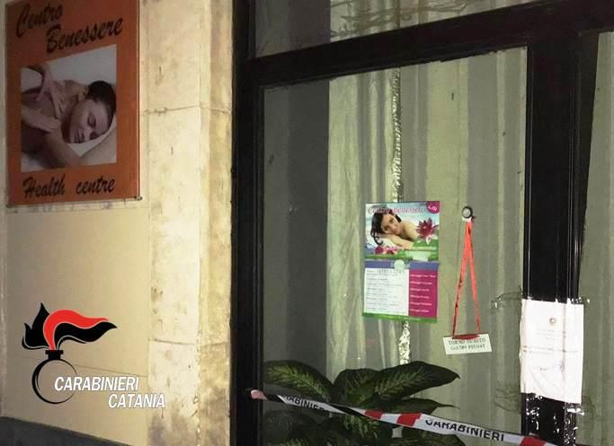 Centro massaggi a luci rosse a Catania: cinese denunciata