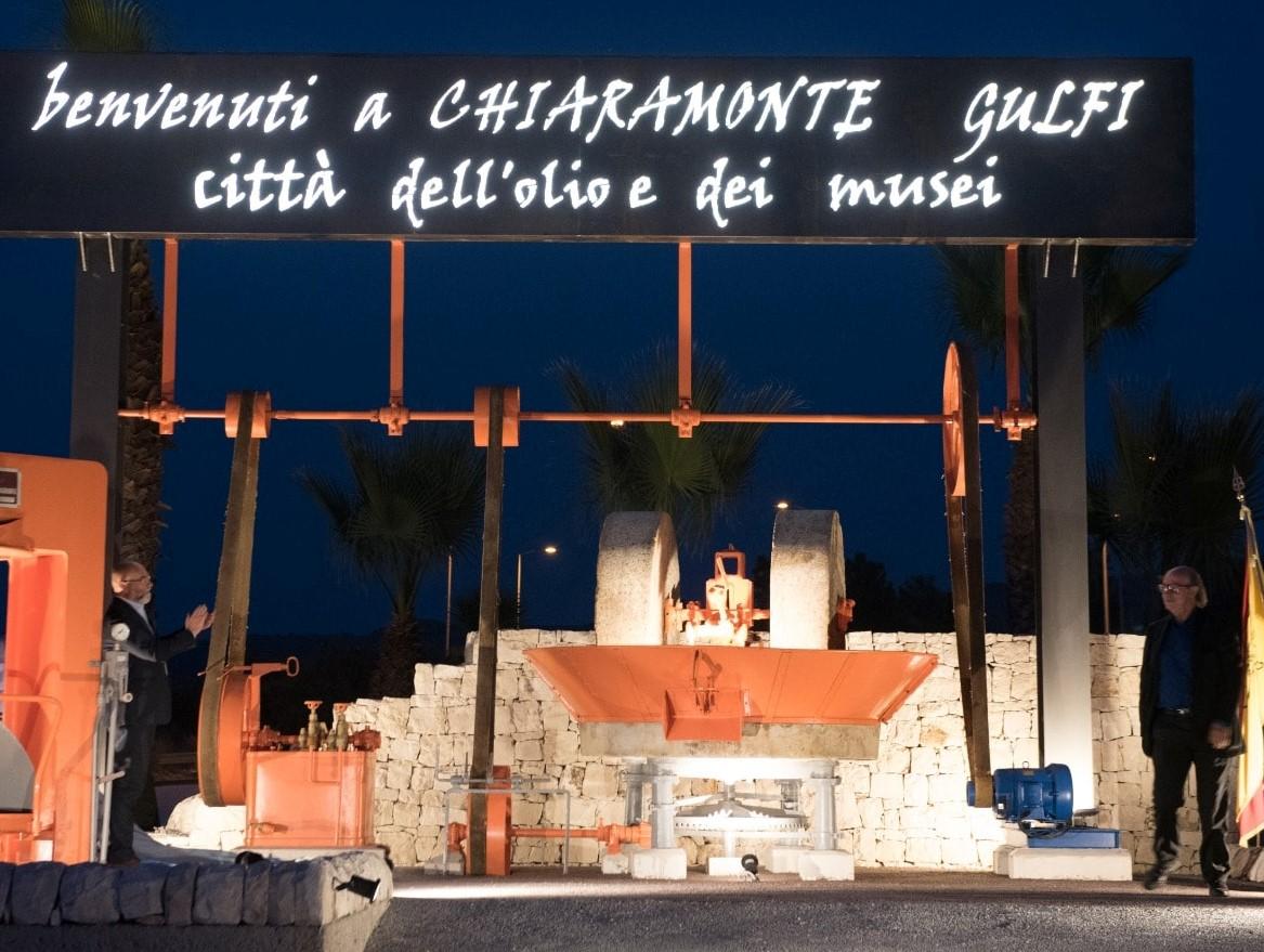 Chiaramonte Gulfi, installazione all'insegna della tradizione olearia del territorio