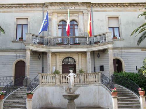 Assessore positivo al covid, chiuso il municipio di Chiaramonte Gulfi