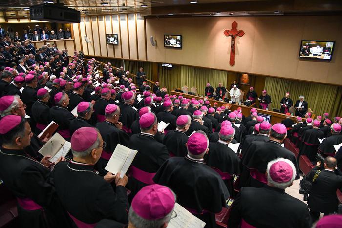 La Chiesa francese apre ai figli dei sacerdoti: c'è stato un incontro segreto