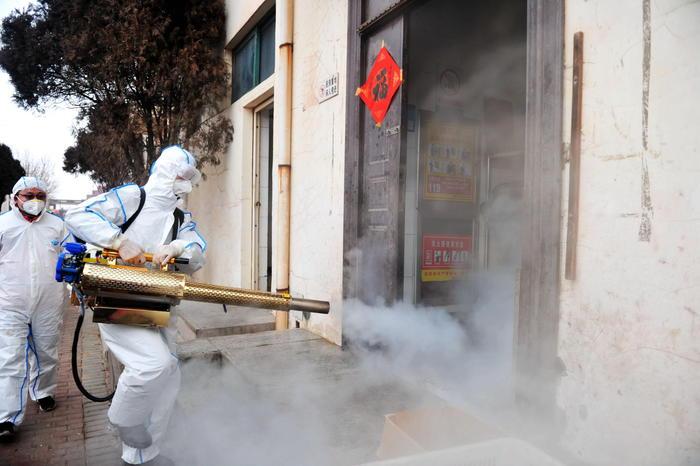 Virus Cinese, 106 morti: un piano di evacuazione per 70 italiani