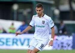Palermo, campionato finito per  il centrocampista Chochev: frattura alla rotula