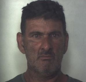 Era ricercato e lo sorprendono a rubare agrumi: arrestato a Solarino