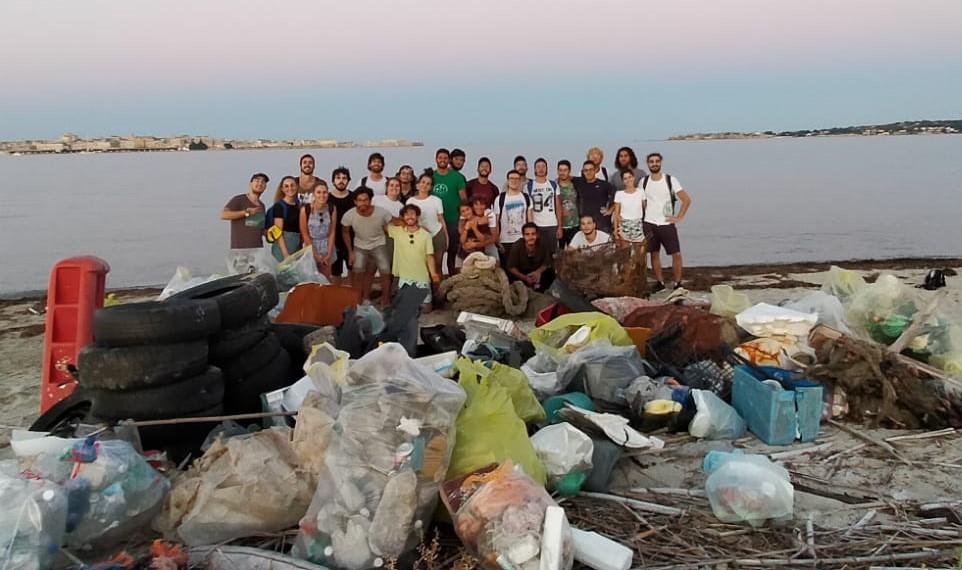 Siracusa, pulizia della riserva Ciane Saline: il Comune ringrazia i volontari