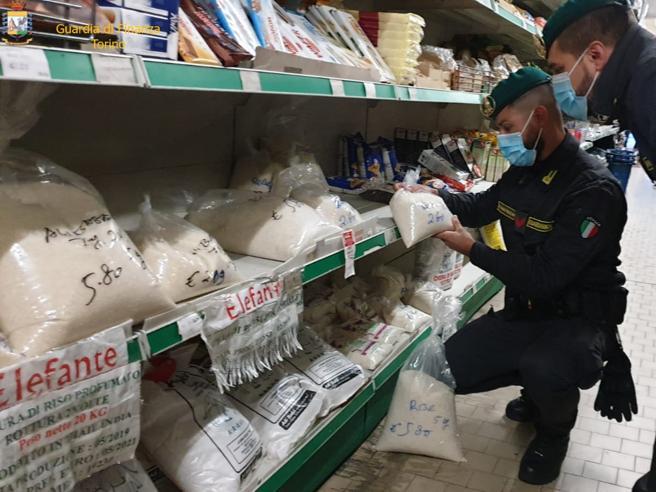 Maxi frode alimentare a Torino, sequestrati 10 tonnellate di cibo