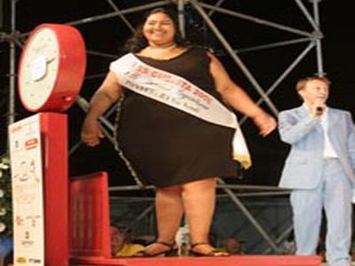Ci sono 140 miliardi di tonnellate di cibo in più che favoriscono l'obesità
