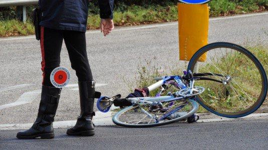 Palermo, travolge e uccide un ciclista: denunciato per omicidio stradale