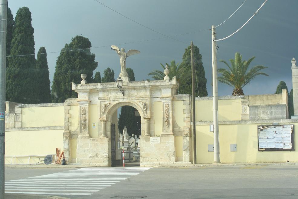 """Chiuso il cimitero di Rosolini, la Lega: """"Un'ordinanza cinica"""""""