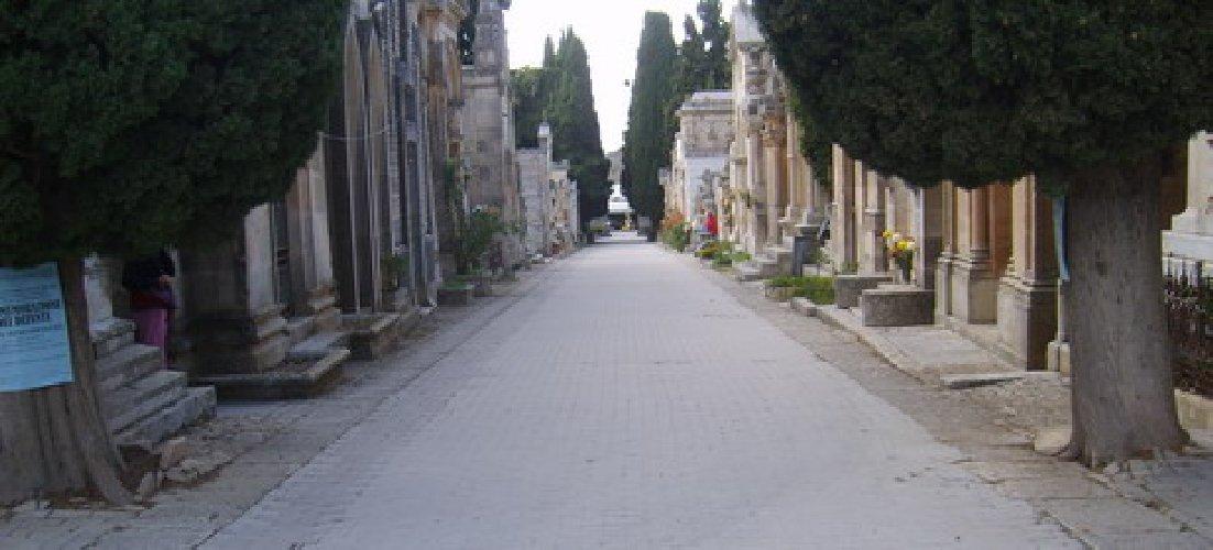 Modica, tombe pericolanti al cimitero: la maggioranza consiliare non decide