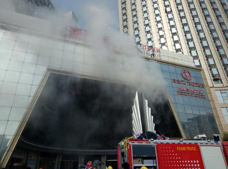 Incendio in un edificio in Cina, almeno 22 morti