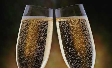 Made in Italy: sequestrate 14mila bottiglie di prosecco a Brindisi