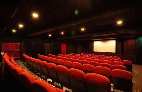 Tenta di violentare una donna al cinema, arrestato a Catanzaro