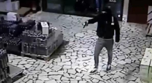 Cinque rapine a mano armata nel Ragusano, una persona arrestata