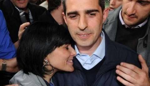 """Roma, Raggi appoggiata da """"Lady Pizzarotti"""": """"Coraggio"""""""