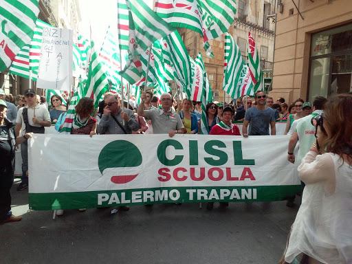 """Cisl, sciopero in Sicilia dei lavoratori della scuola: """"Non la vogliamo a metà"""""""