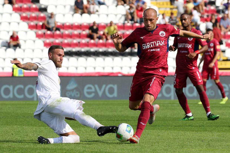 Il Trapani crolla nel secondo tempo a Cittadella ( 2 -0 ) e Dini para un rigore
