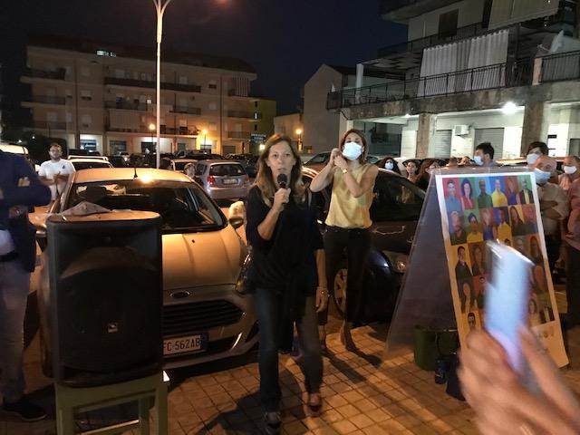 Elezioni a Floridia, Faraci scalda la Taverna: la candidata sindaca inizia a crederci