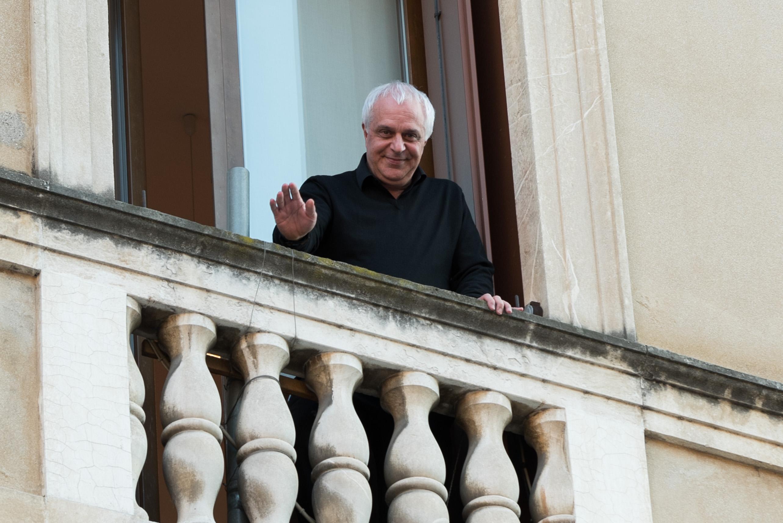 Assessore con camicia nera, è polemica a Vicenza